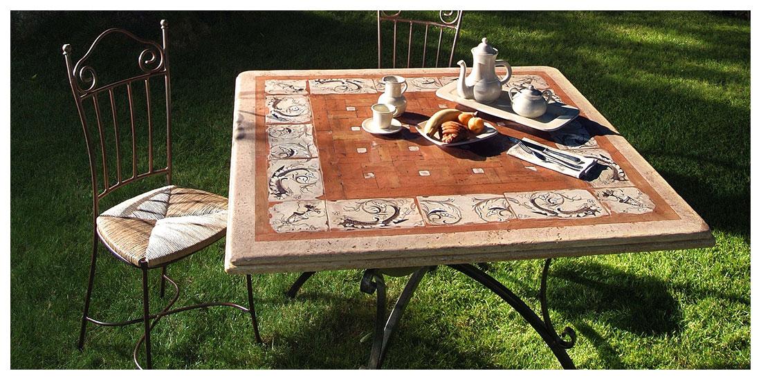 Tavoli In Travertino Da Esterno.Progetti Antica Deruta